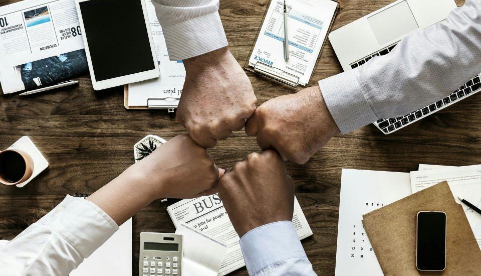 Operaciones financieras comunicacion